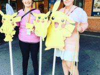 Billedtekst: Signe Weber og Anja Rasmussen har været frivillige på PASSAGE festival i mange år. Her ses de klar til åbningen af PASSAGE 2017.