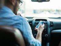 Mobiltelefon i bilen, foto: RsFT